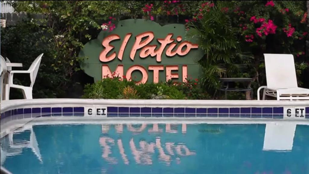 The swimming pool at or near El Patio Motel