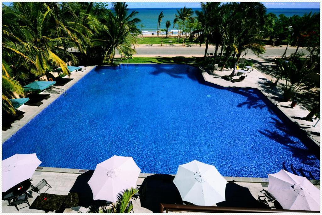 Вид на бассейн в Sanyawan Yin Yun Seaview Holiday Hotel или окрестностях