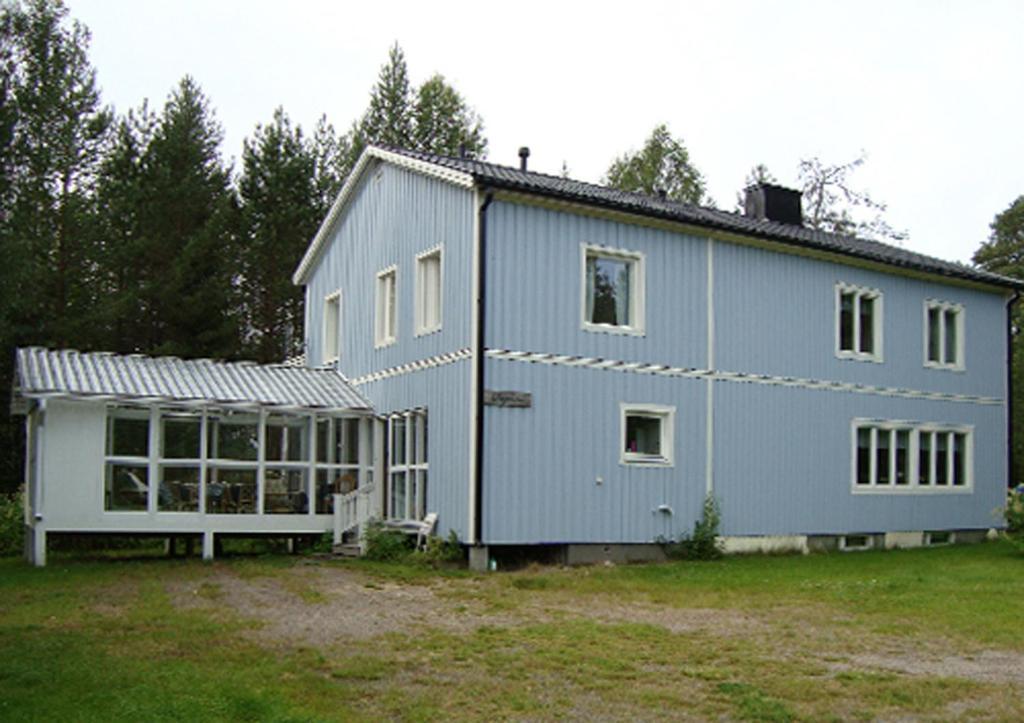 Byggnaden som semesterhuset ligger i