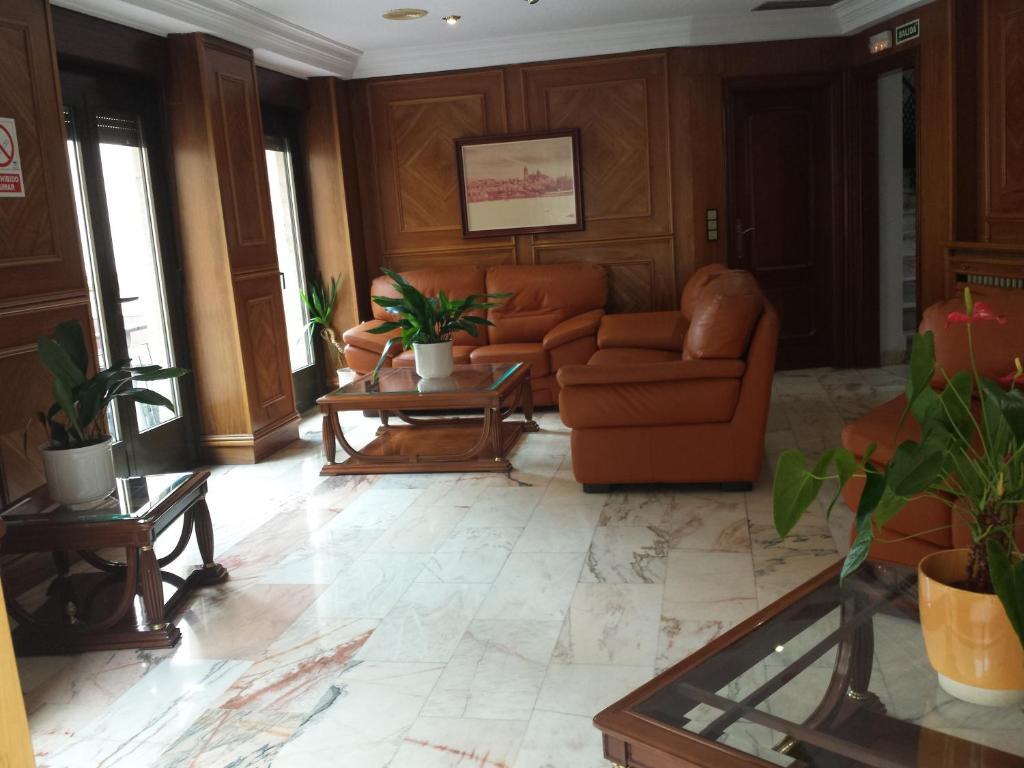 A seating area at Hotel Amefa