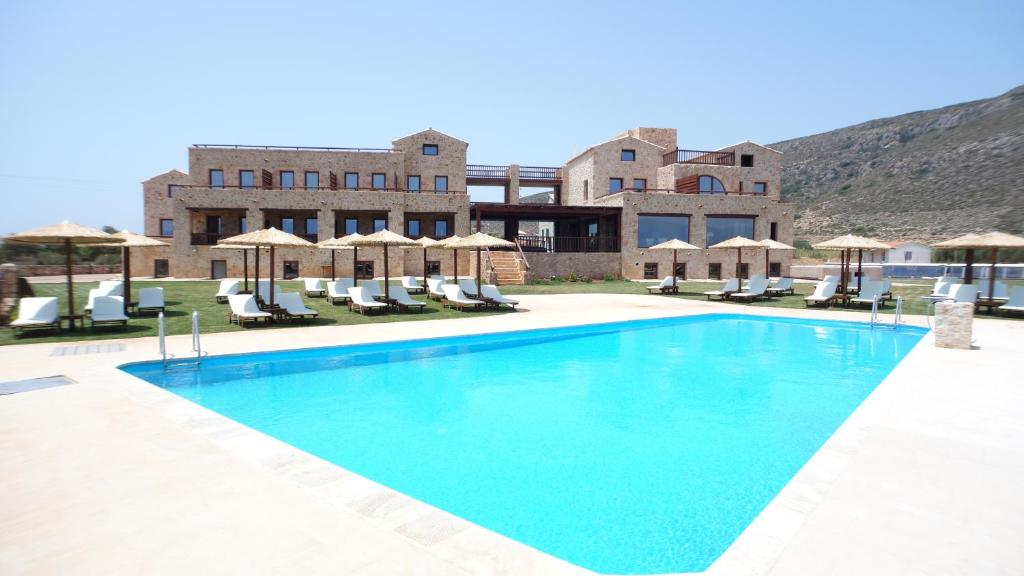 The swimming pool at or near Simosmare Resort