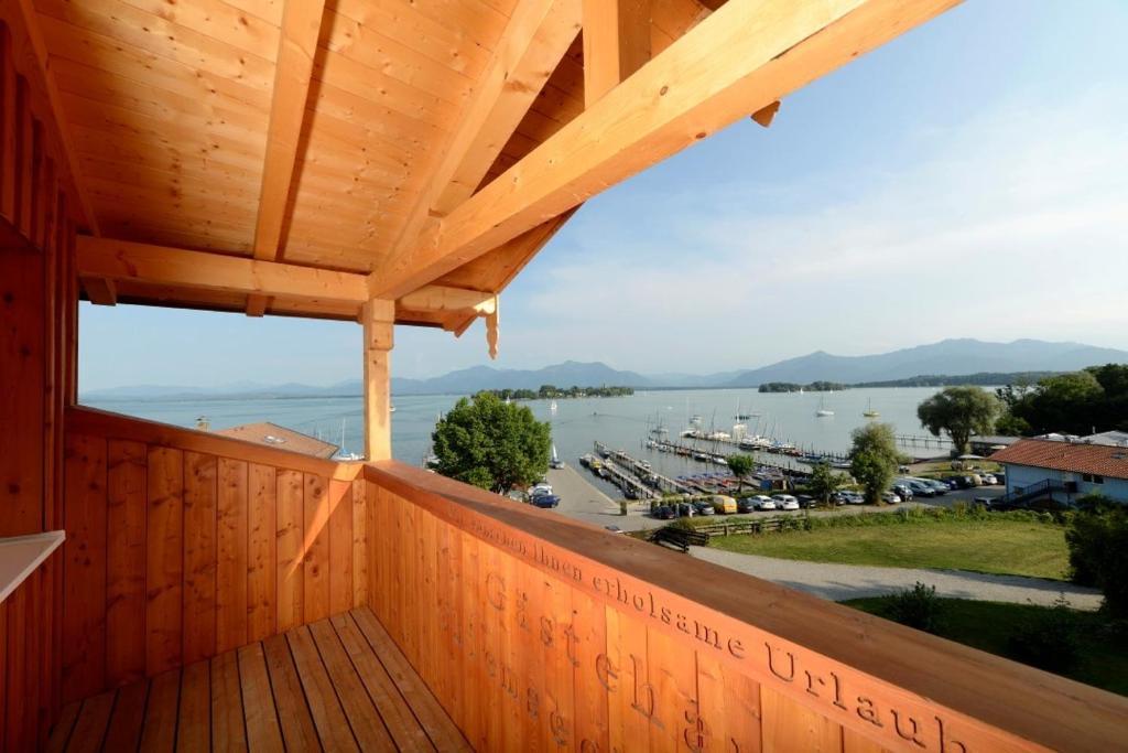 Balcon ou terrasse dans l'établissement Hotel ChiemseePanorama