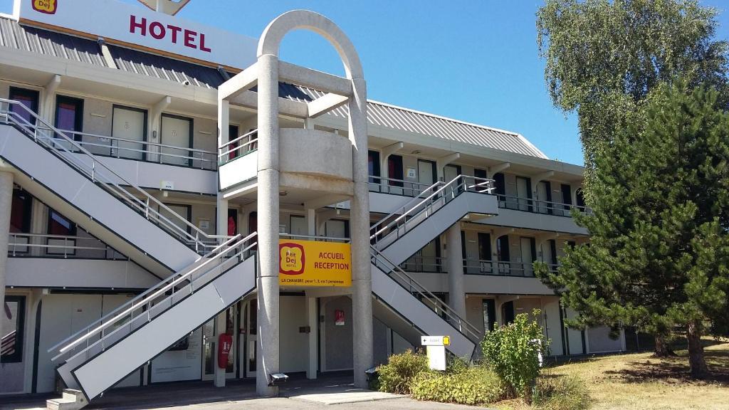 Vue de la facade de l'hôtel