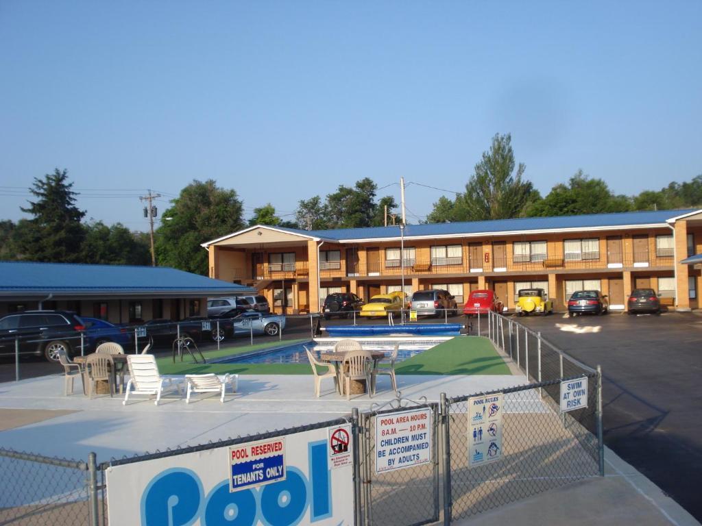 The swimming pool at or near Hills Inn