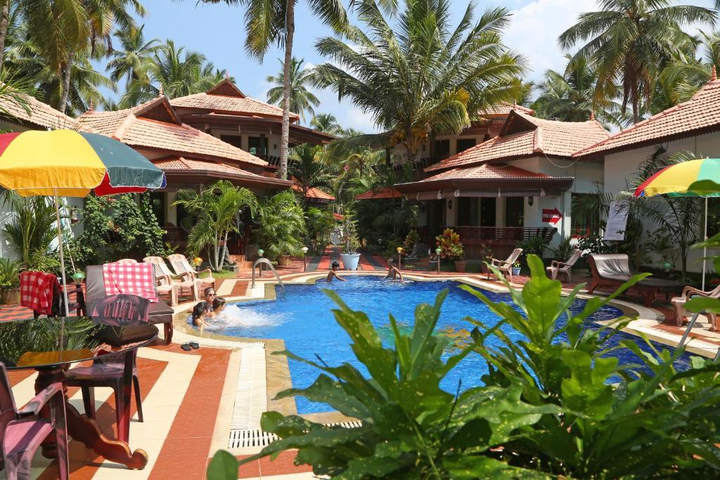 Swimmingpoolen hos eller tæt på Samsara Harmony Beach Resort