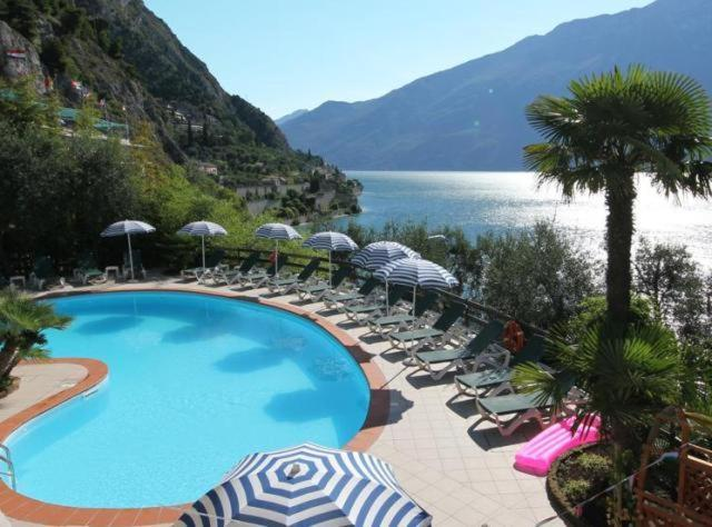 A view of the pool at Hotel Augusta Garnì or nearby