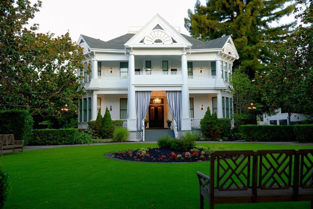 The White House Inn Spa Napa