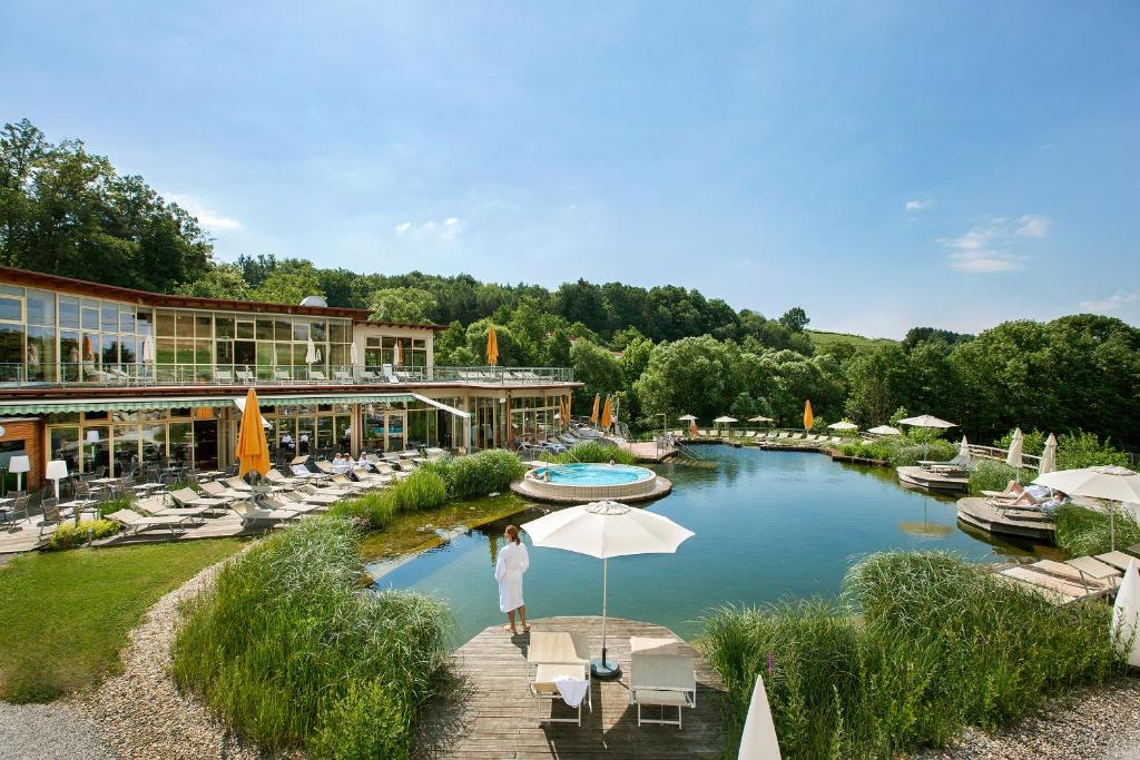 A view of the pool at Quellenhotel Heiltherme Bad Waltersdorf - 2-Thermenresort or nearby