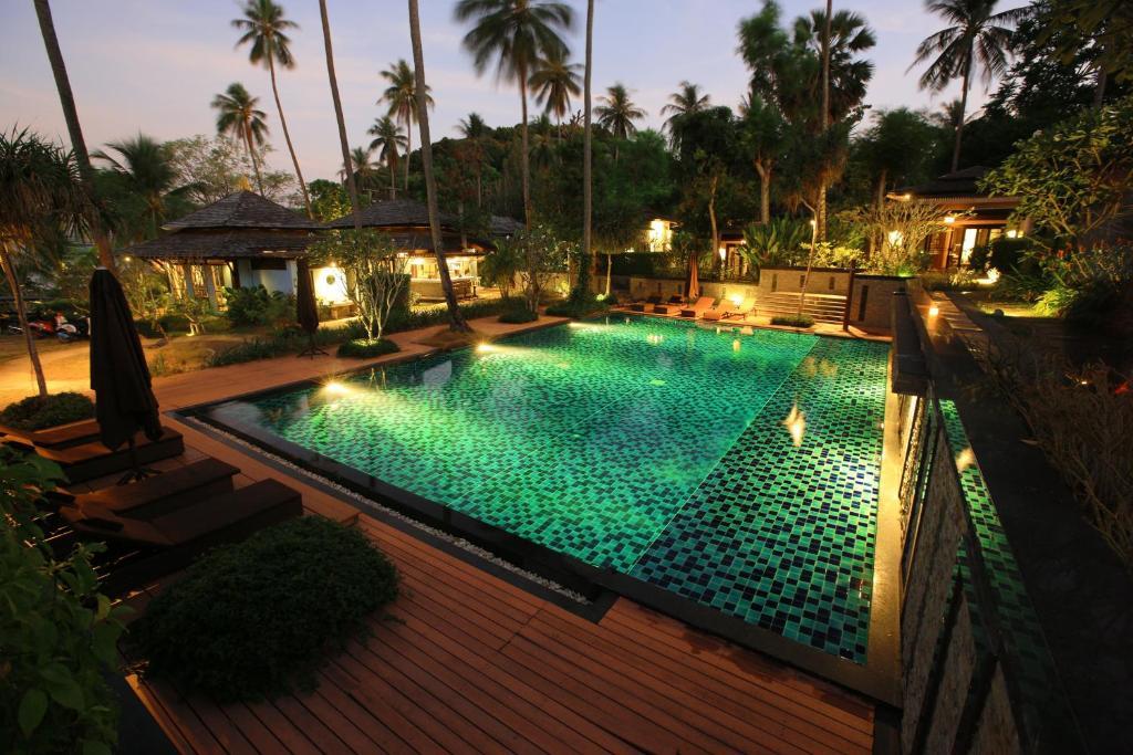 The swimming pool at or close to Niramaya Villa & Wellness