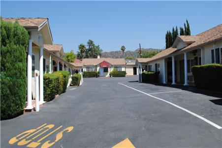 The surrounding neighborhood or a neighborhood close to the motel