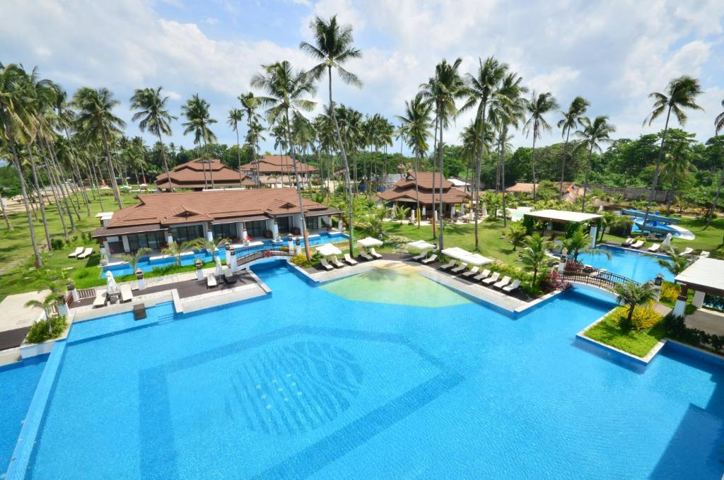 A view of the pool at Princesa Garden Island Resort and Spa or nearby