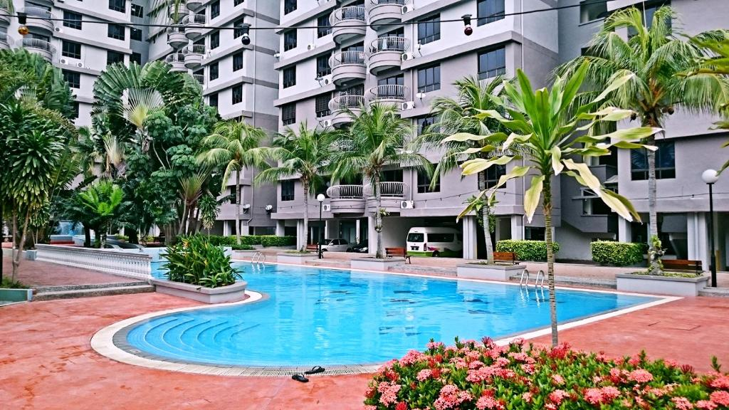 Apartments In Kampong Gapam