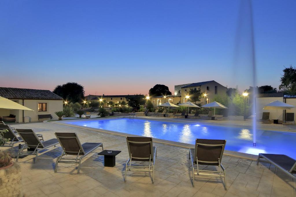 Piscina di Artemisia Resort o nelle vicinanze