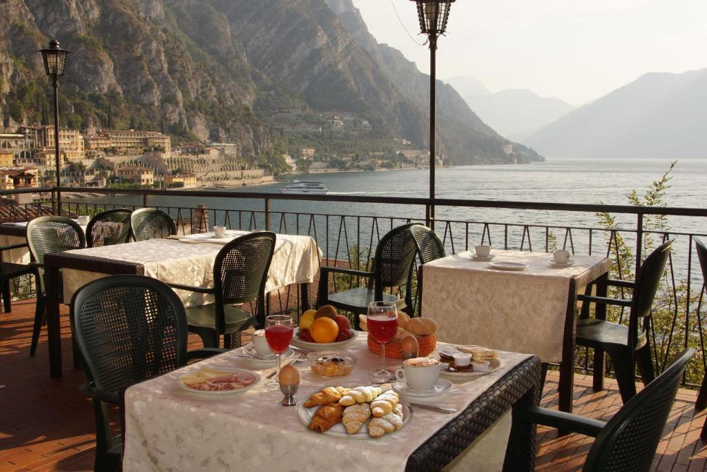 A restaurant or other place to eat at Hotel Alla Noce