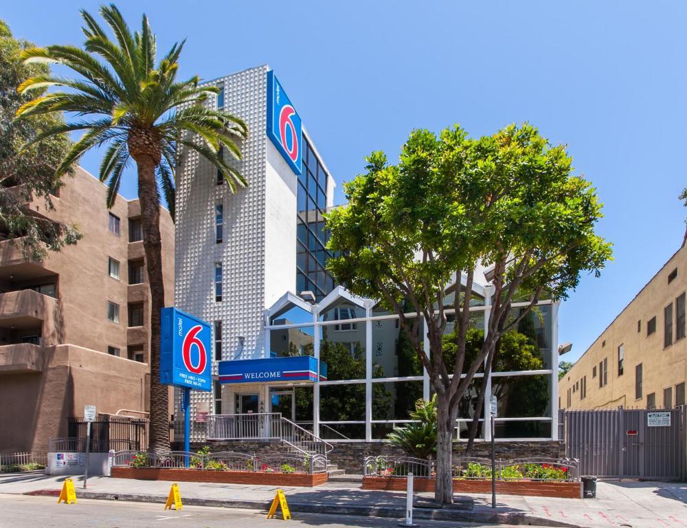 Motel 6 La Hollywood Los Angeles Ca Booking Com
