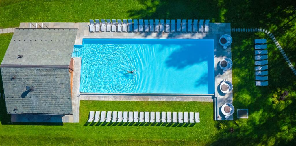 A view of the pool at QC Terme Grand Hotel Bagni Nuovi or nearby