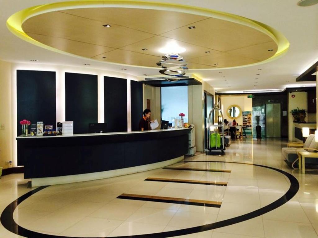 The lobby or reception area at Royal View Resort - Rang Nam
