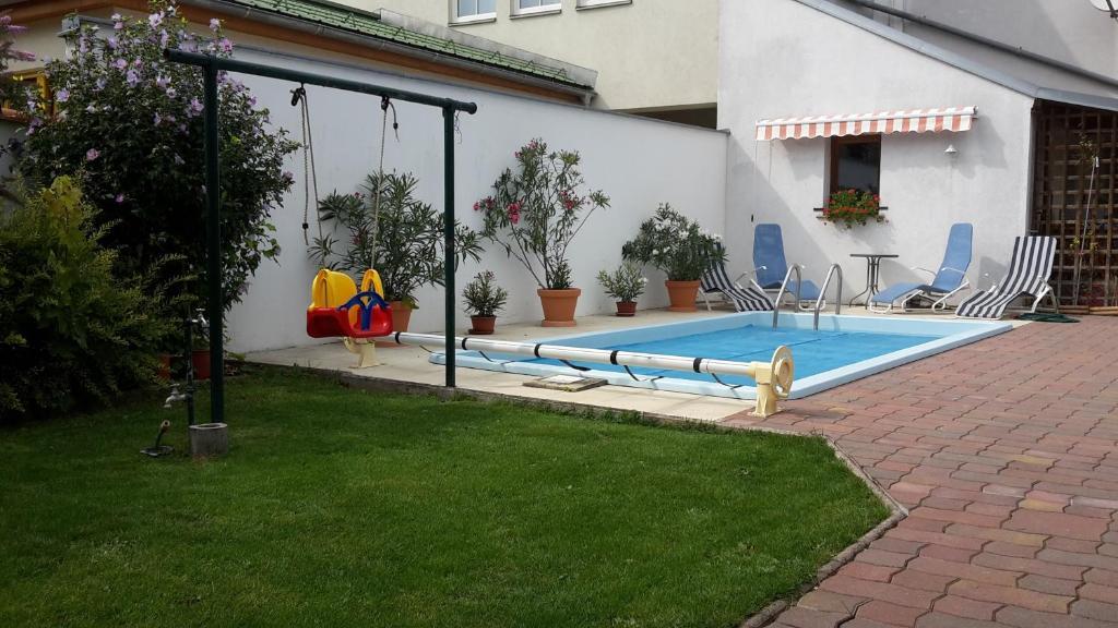 The swimming pool at or near Landhaus zum Siebenschläfer