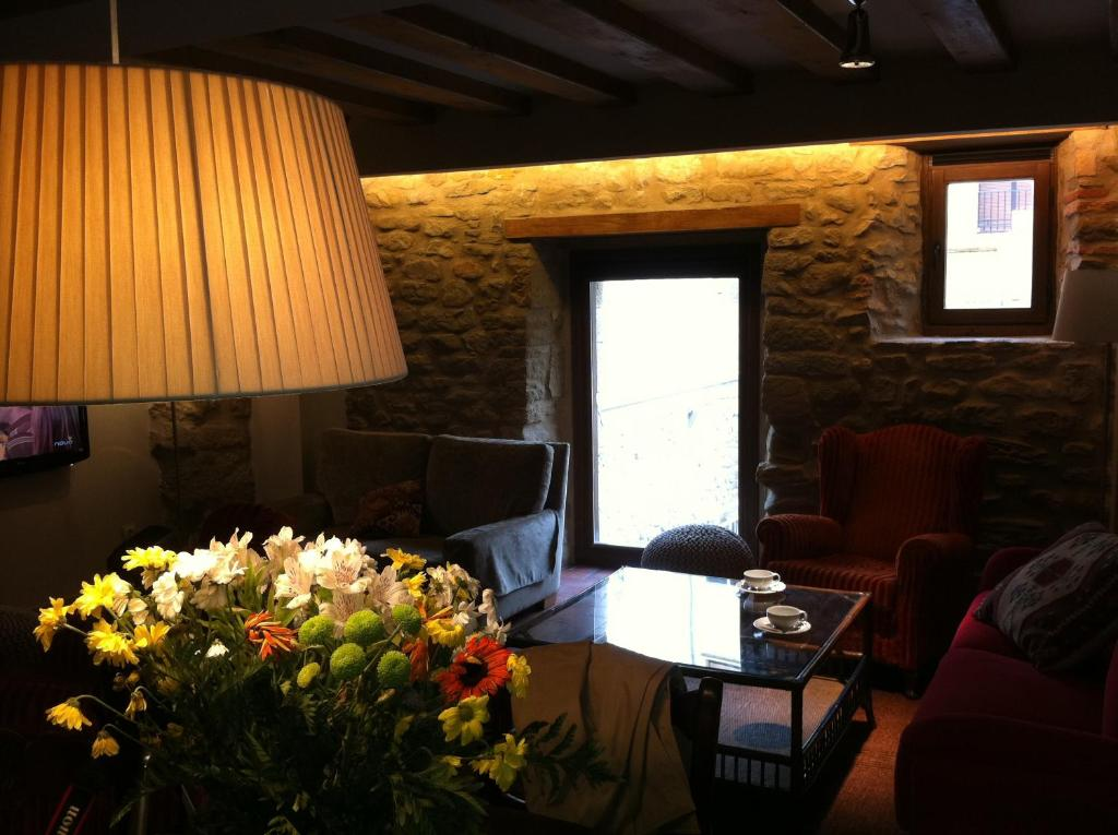 A seating area at Hotel El Cerco
