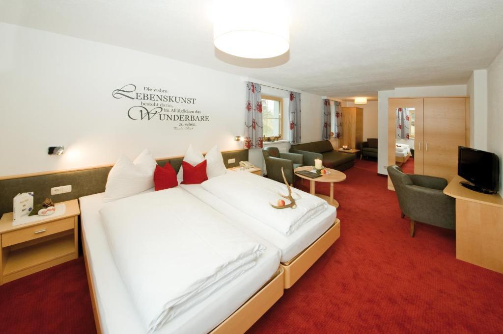 Hotel Garni Rauch Sankt Anton am Arlberg, Austria