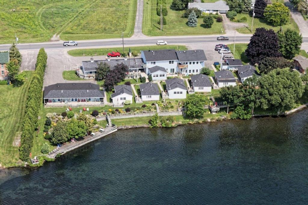 A bird's-eye view of Dewar's Inn and Cottages