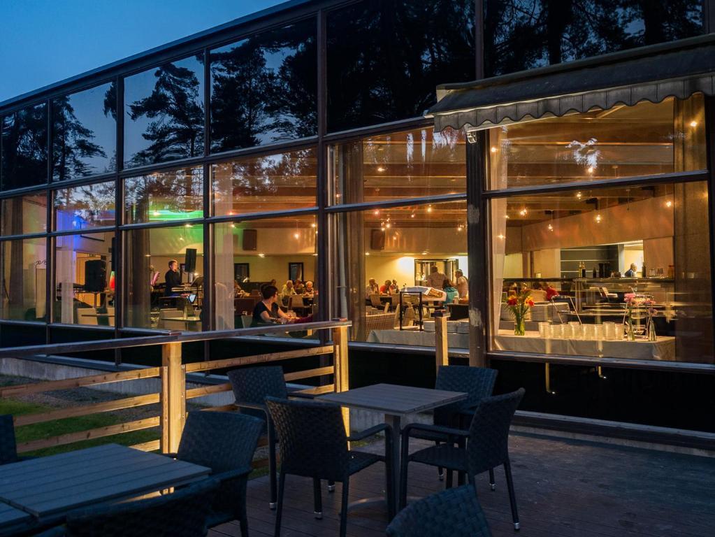 En restaurang eller annat matställe på Spa Hotel Runni