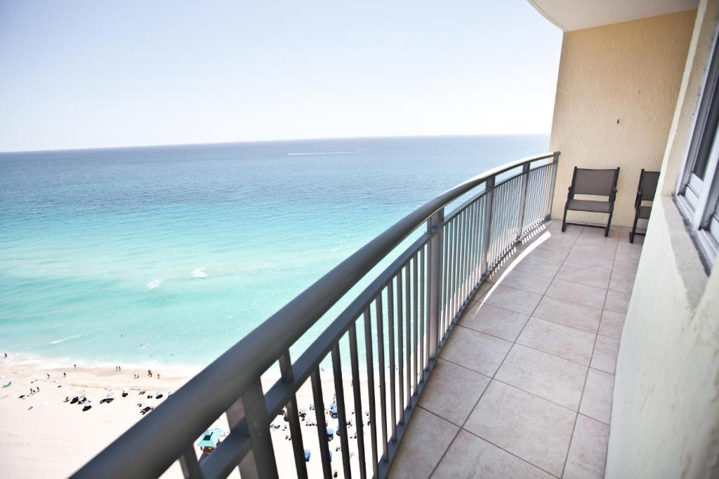 Oceanview Apartments in Sunny Isles