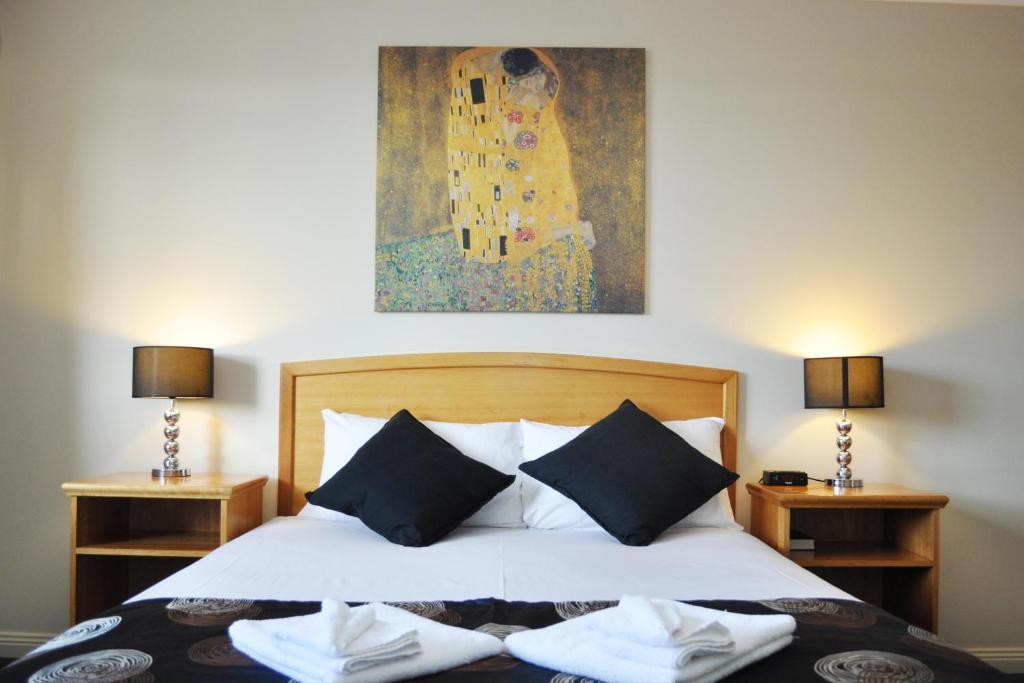 Meadowbrook Hotel Brisbane