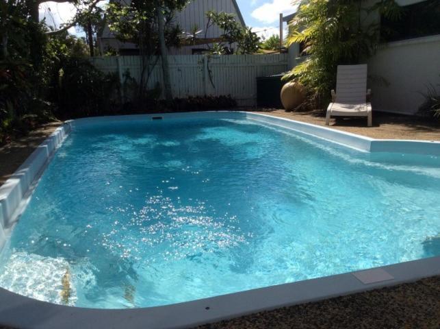 The swimming pool at or near Kirrama 4
