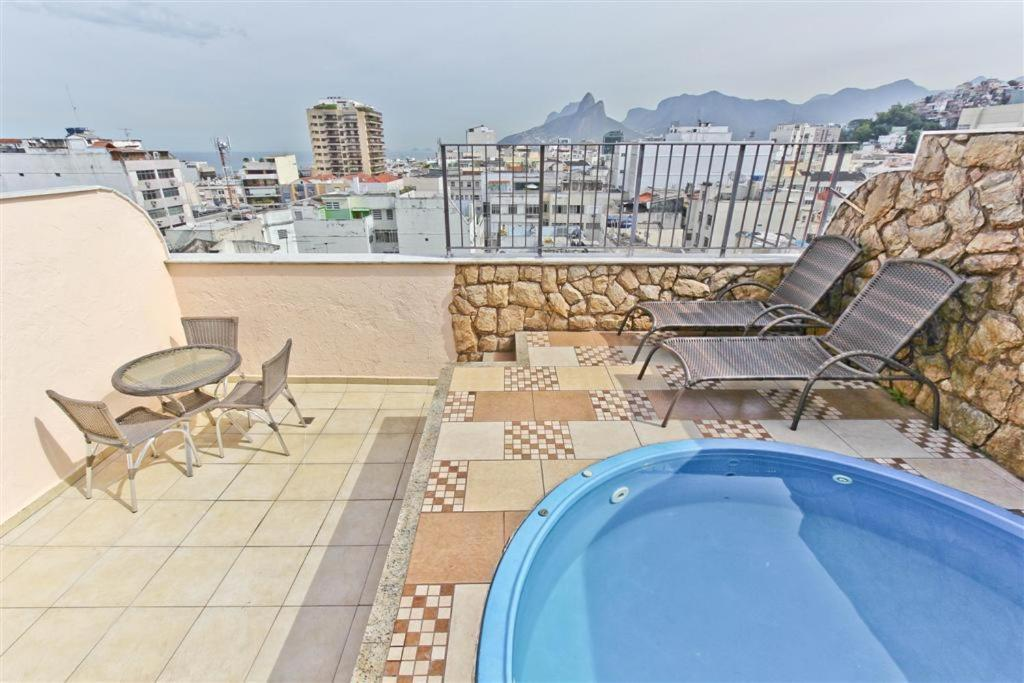 The swimming pool at or close to Penthouse duplex with Private Pool and View in Copacabana