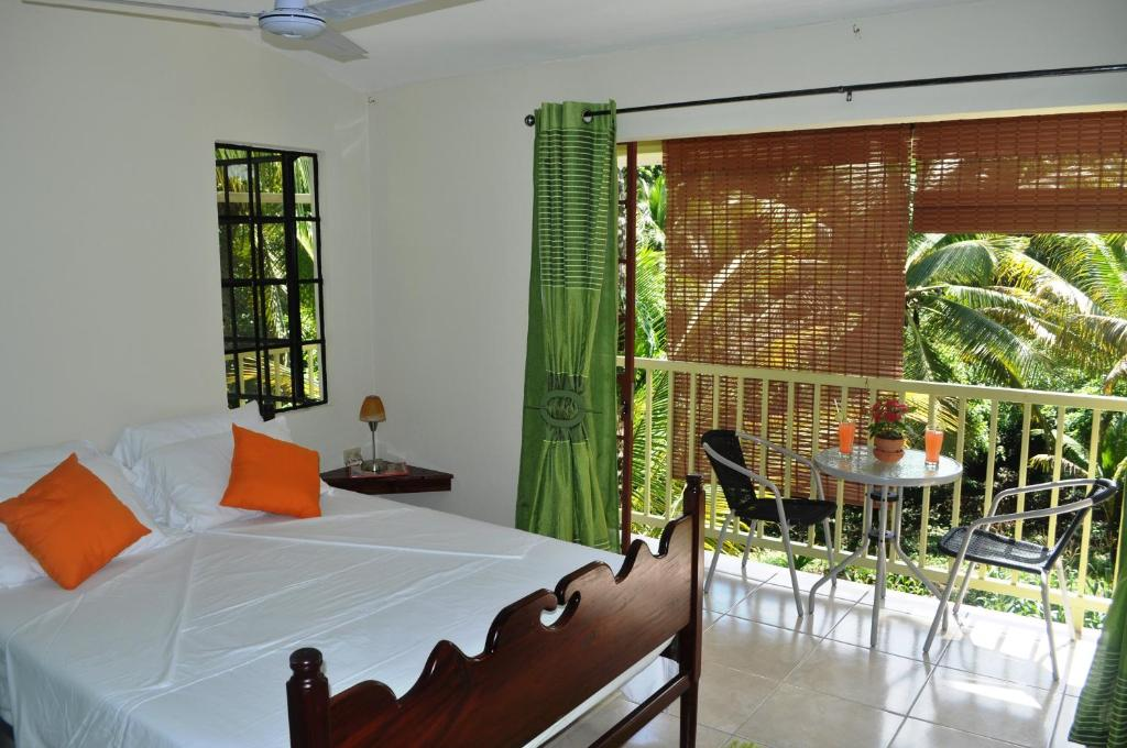 Spa and/or other wellness facilities at The Leatherback Lodge
