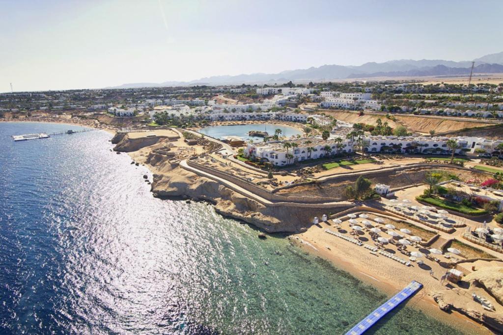 Domina Oasis Hotel & Resort з висоти пташиного польоту