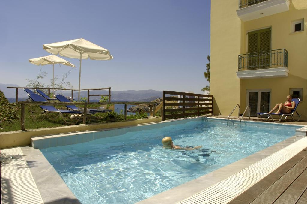 The swimming pool at or near Mare Hotel Apartments
