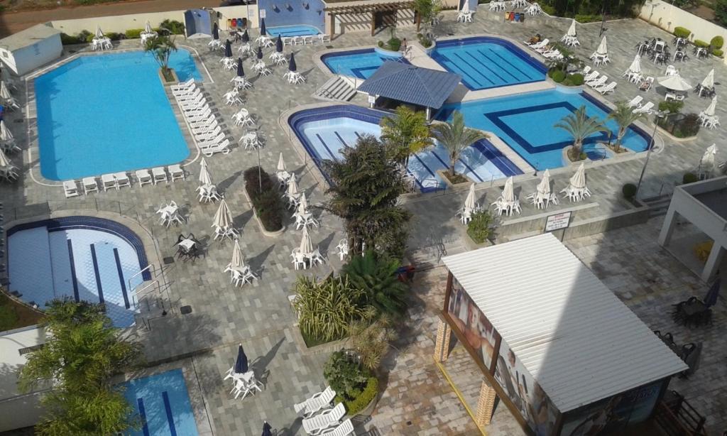 A view of the pool at Apartamento Eldorado Thermas Park or nearby