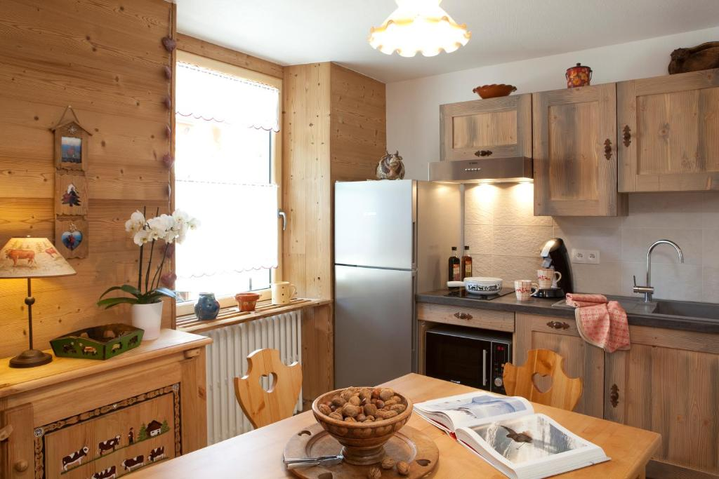 A kitchen or kitchenette at Appartement Zian
