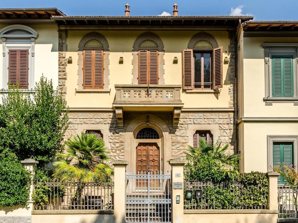 The facade or entrance of Sangaggio House B&B