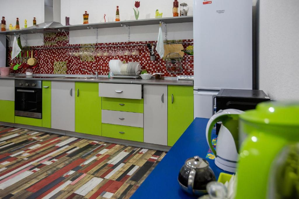 Кухня или мини-кухня в Хостел Jazz House