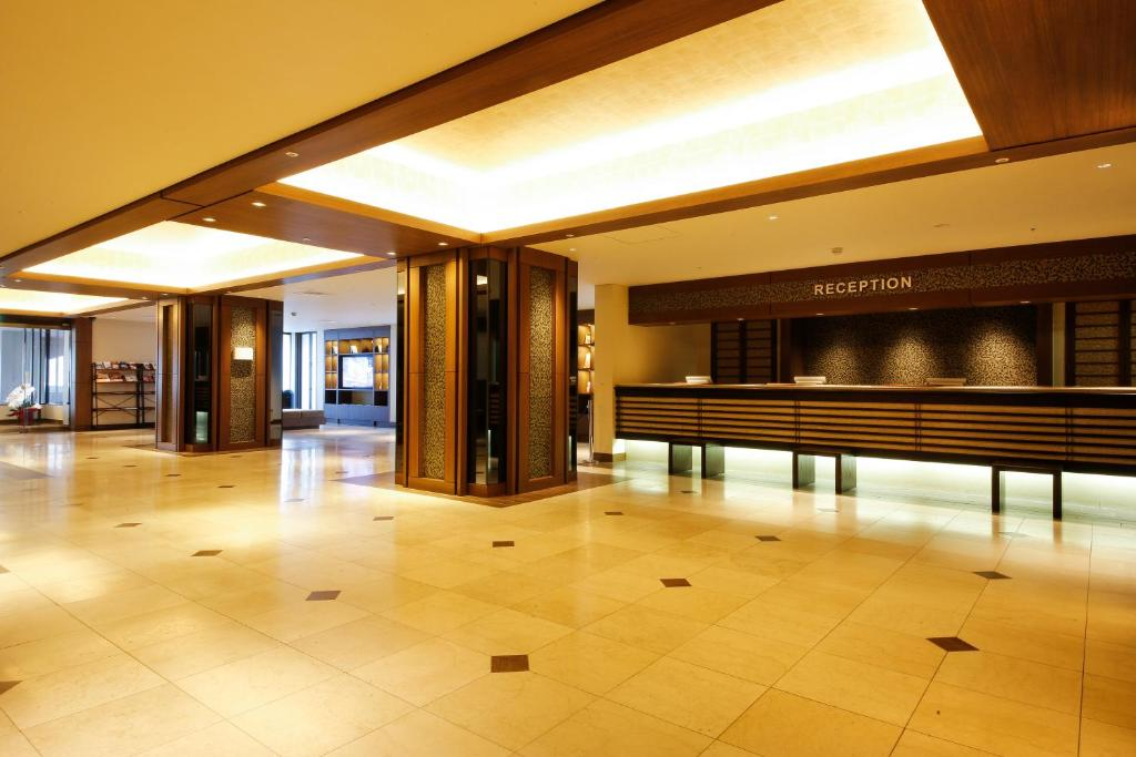 The lobby or reception area at Hotel Keihan Tenmabashi