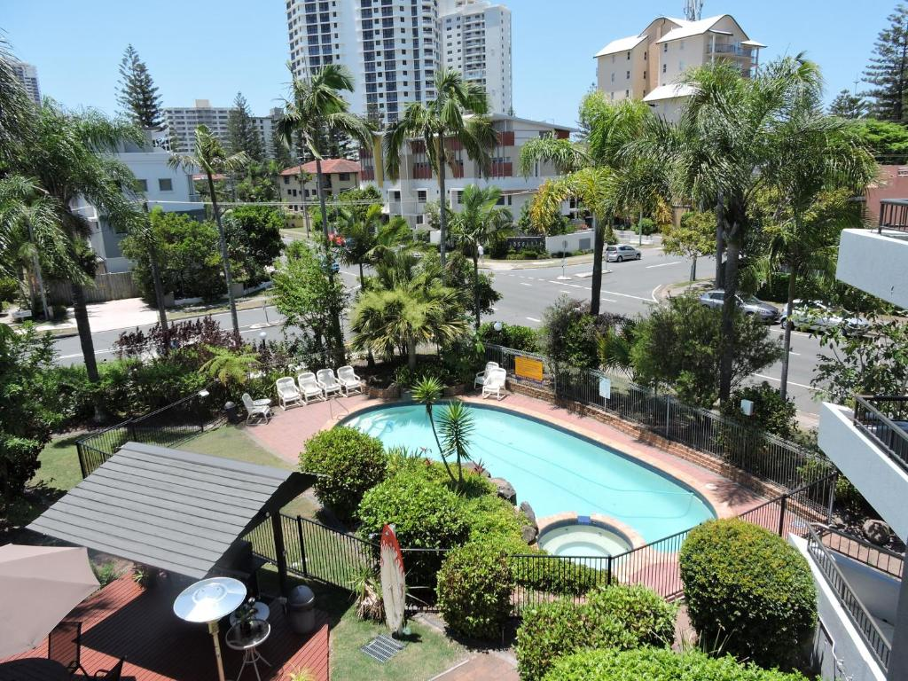 A view of the pool at Grangewood Court Apartments or nearby