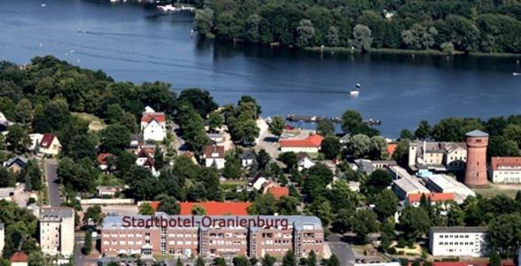 Blick auf Stadthotel Oranienburg aus der Vogelperspektive