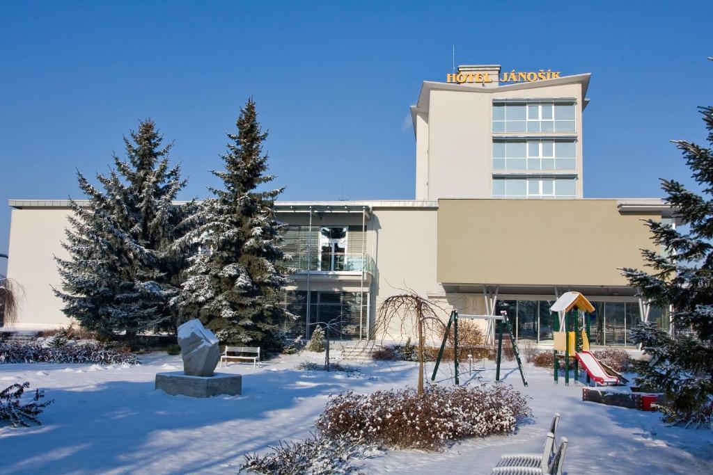 Hotel Janosik v zime