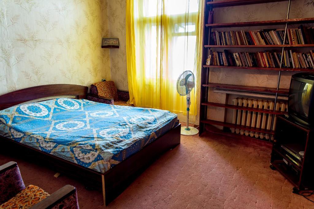 Кровать или кровати в номере Металлургов 8 Апартаменты Анверс
