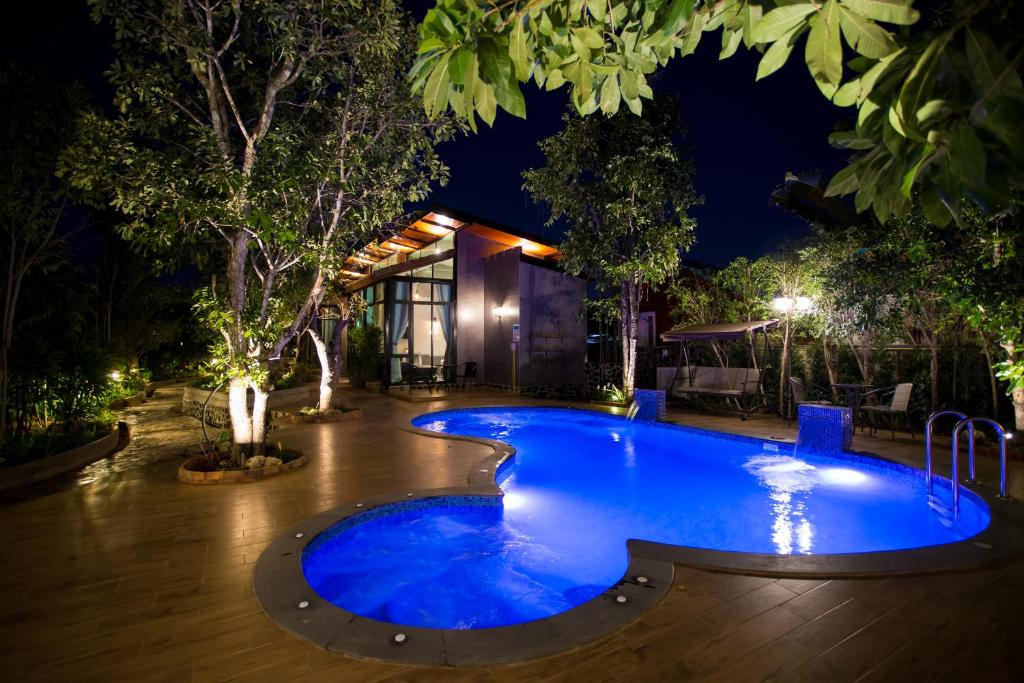 The swimming pool at or near Foresto Sukhothai Guesthome