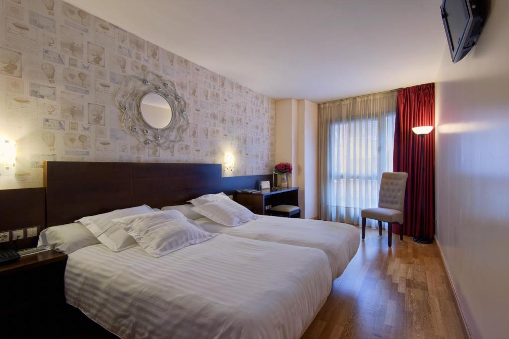 Hotels In Santullano