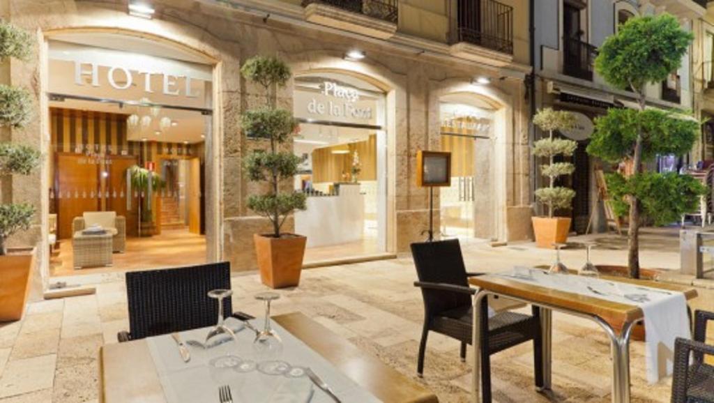Restaurant o un lloc per menjar a Plaça De La Font