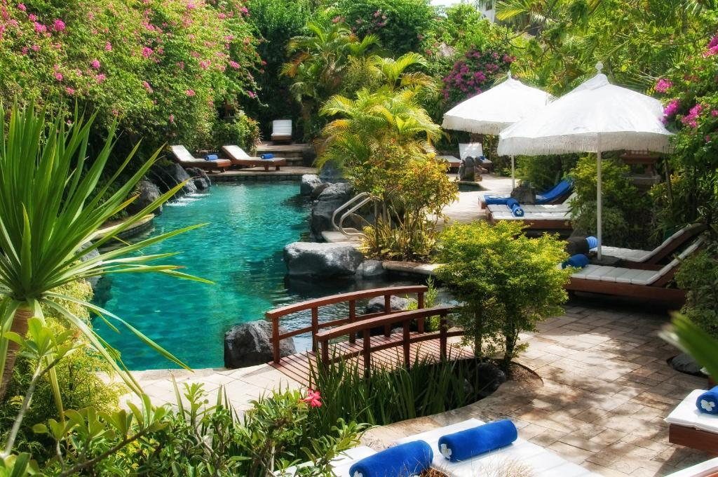 The swimming pool at or close to Poppies Bali