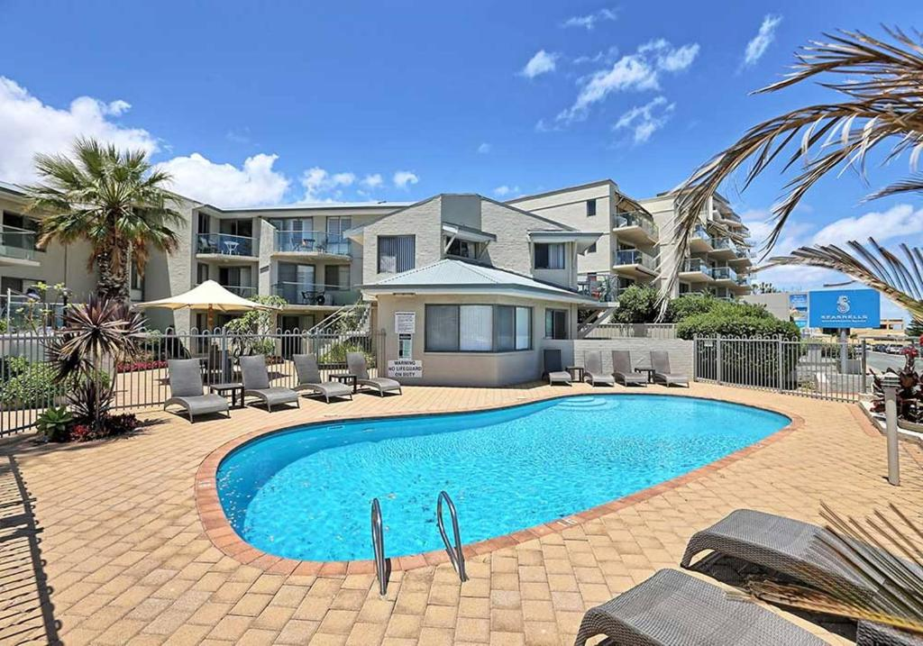 The swimming pool at or near Scarborough Beach Front Resort - Shell Four