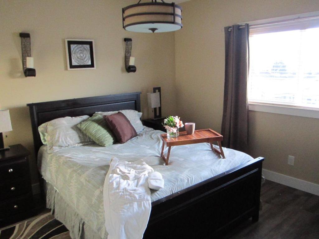 A bed or beds in a room at WineDownHere - Lic. 75806