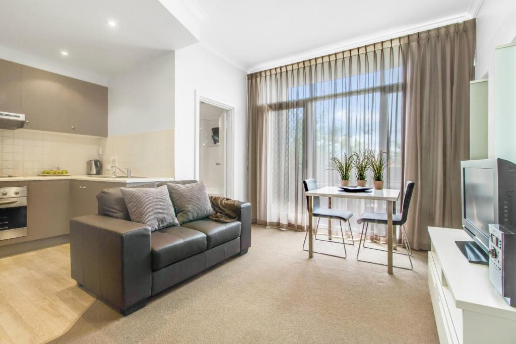 Adelaide DressCircle Apartment - Ward St - Laterooms