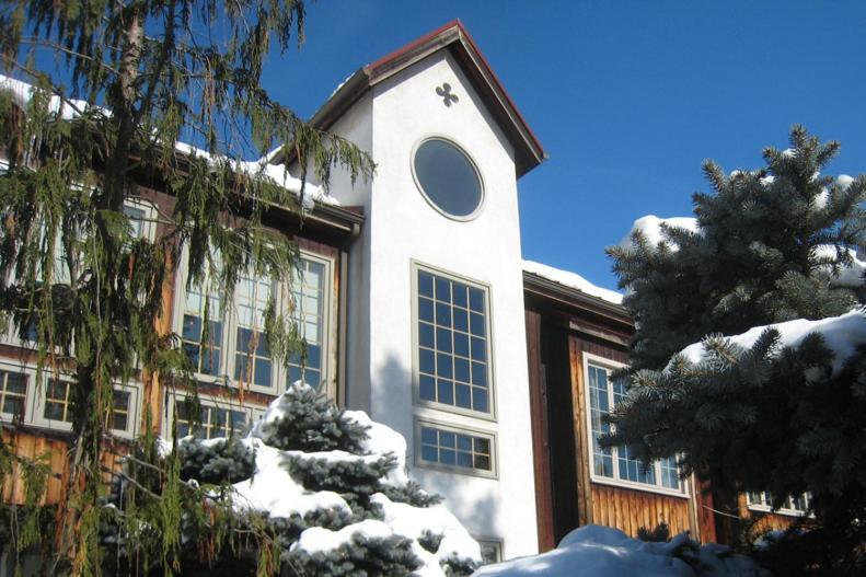 Glasbern Inn during the winter